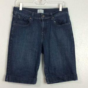 Levi's Ladies 515 Bermuda Shorts Sz 4